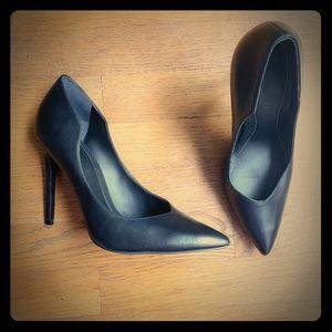 Kendall + Kylie black heels